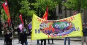 Die TKP/ML und Partizan wurden auf der Demo hochgehalten